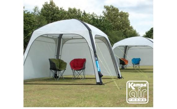 Udstillings telt med luft under vingerne
